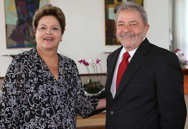 Dilma e Lula sabiam do esquema na Petrobras, diz doleito