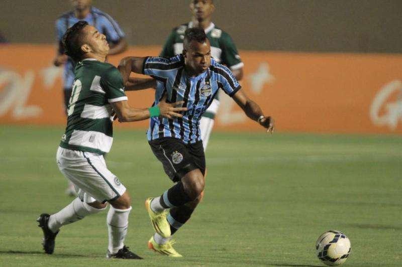 Goiás empata com Grêmio no Serra Dourada