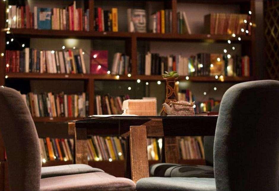 Terceira edição do Leia Mulheres tem O Conto de Aia no Evoé Café com Livros