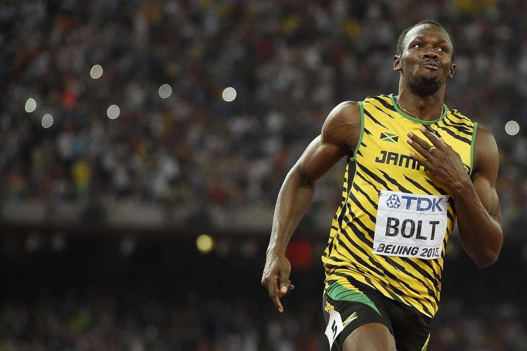 Bolt supera Gatlin e conquista tricampeonato mundial nos 100m
