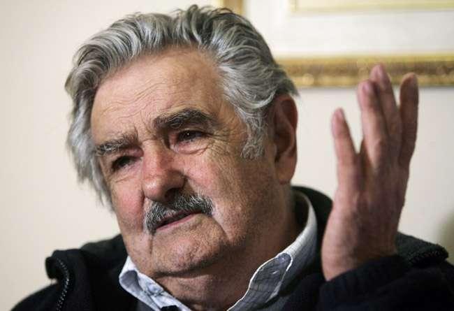 Pepe Mujica nega ter conversado com Lula sobre mensalão
