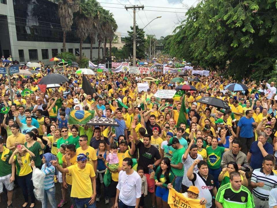 Apesar de promessas, ruas ficam esvaziadas após impeachment