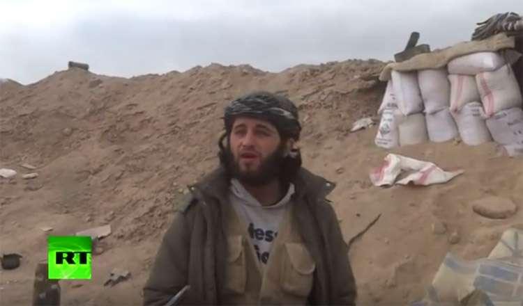 Terrorista é atingido por bombardeio no momento em que gravava vídeo