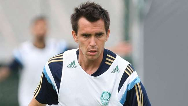Recuperado, Mouche treina normalmente no Palmeiras