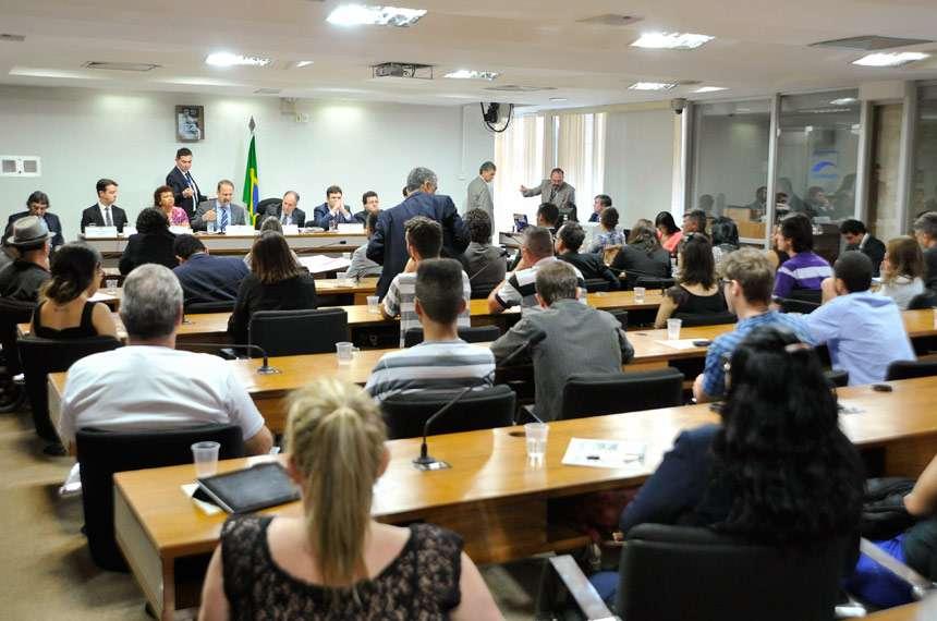 Juízes condenam em audiência no Senado proibição ao uso da maconha