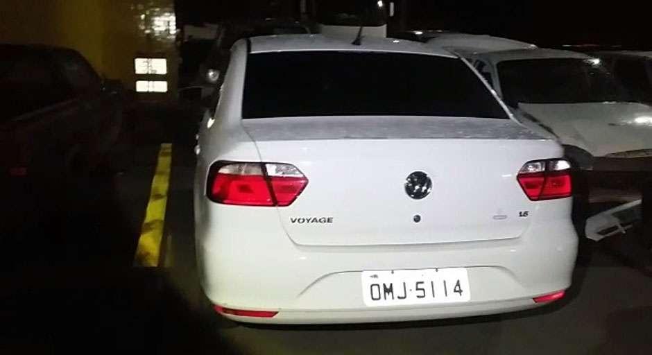 Homem rouba carro em Aparecida de Goiânia, comete assaltos em Hidrolândia e é pego pela PRF