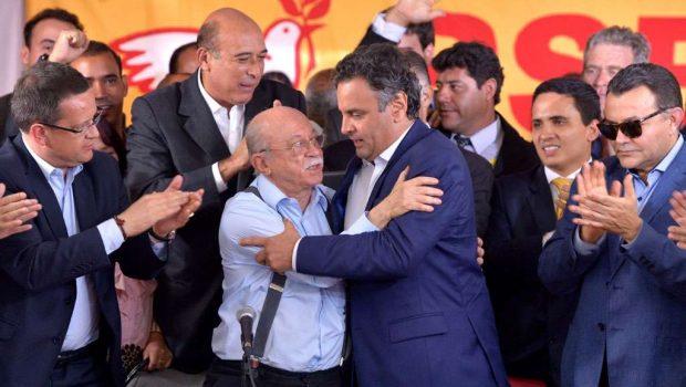 PSB anuncia apoio ao tucano Aécio Neves