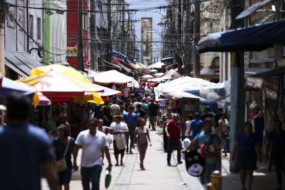 Vendas para Dia das Mães crescem 1,6% ante 2016, diz Boa Vista SCPC
