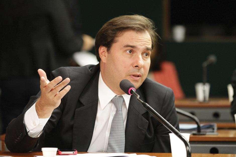 Parlamento blindou a reforma de várias crises geradas pelo governo, rebate Maia