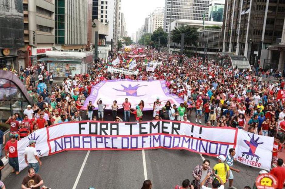Protesto em São Paulo pede impeachment de Temer e 'Diretas Já'