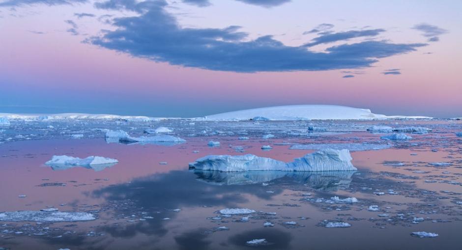 Formação de milhares de novos lagos na Antártida preocupa cientistas
