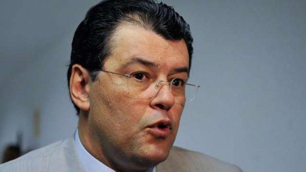 Apagão ocorreu por causa de falha em Furnas, diz ministro Eduardo Braga
