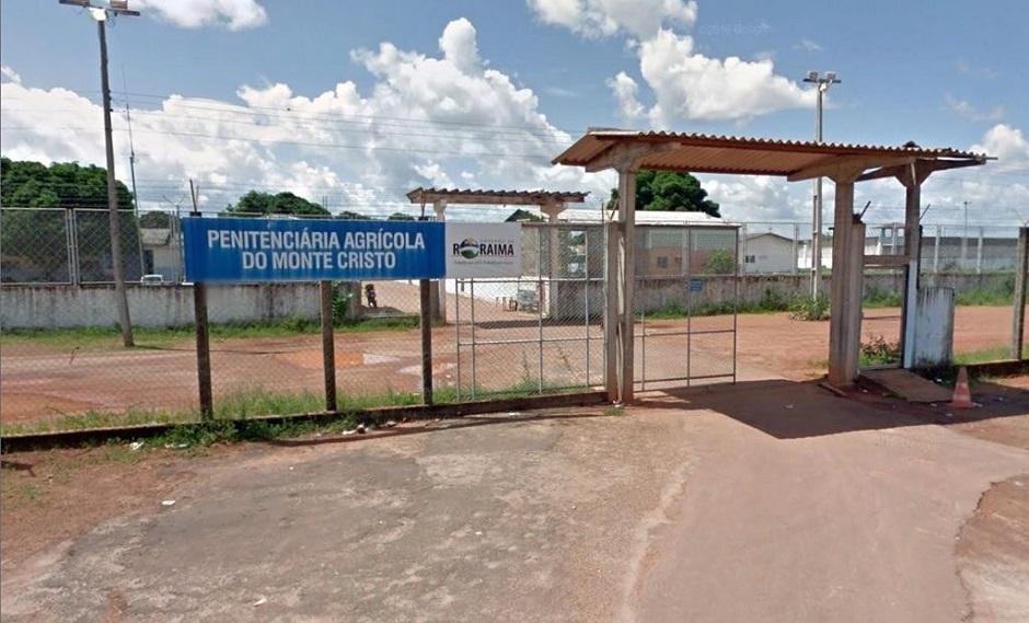PM joga bombas para retormar controle de presídio em Roraima