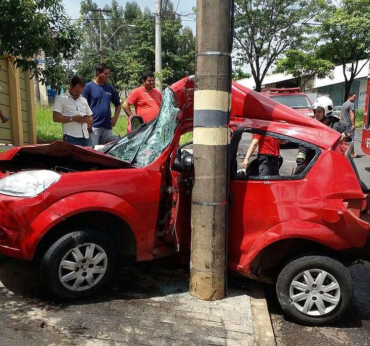 Jovem fica gravemente ferido em acidente no Setor Gentil Meireles