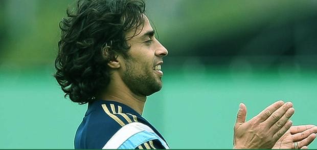 Palmeiras dá uma semana para Valdivia decidir futuro