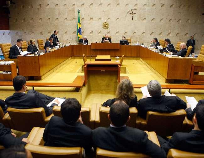 Ministros do STF aprovam salário de R$ 35 mil para 2015