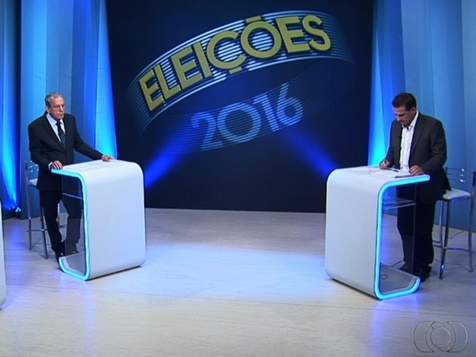 Candidatos trocam acusações em último debate antes das eleições