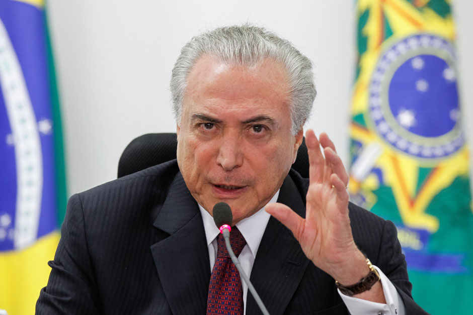 Temer altera programas sociais de Lula e Dilma