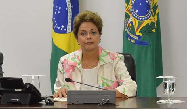 Equipe econômica se reúne com Dilma para avaliar cortes no orçamento