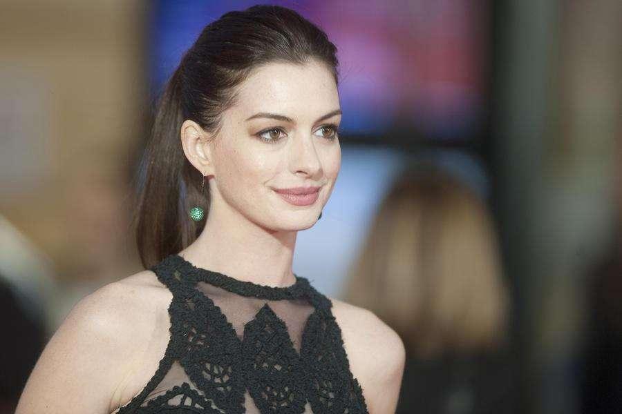 Anne Hathaway vai estrelar drama de guerra sobre drones