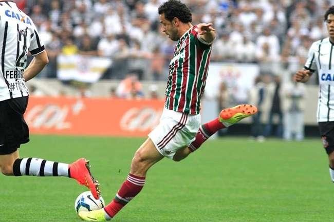 Corinthians arranca empate do Flu e se mantém no G4