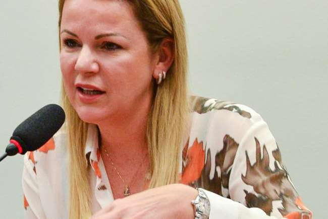 Viúva de Janene diz em CPI que não participava de atividades políticas do marido