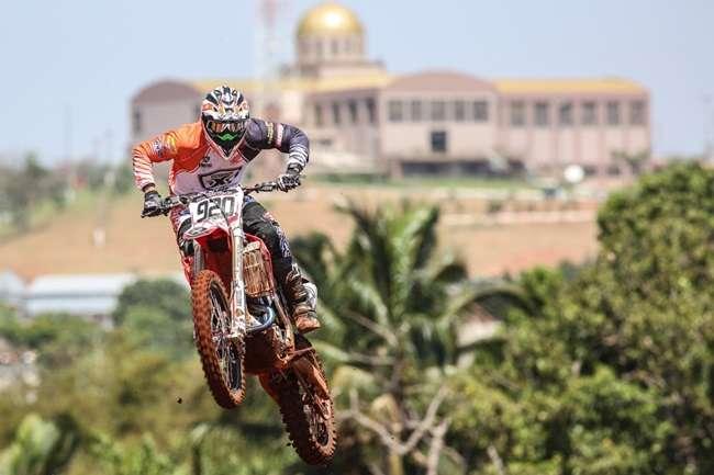Coadjuvantes surpreendem nos classificatórios do Mundial de Motocross em Trindade