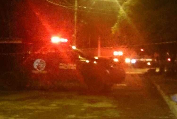 Perseguição policial acaba com bandido morto e um menor apreendido no Conjunto Itatiaia