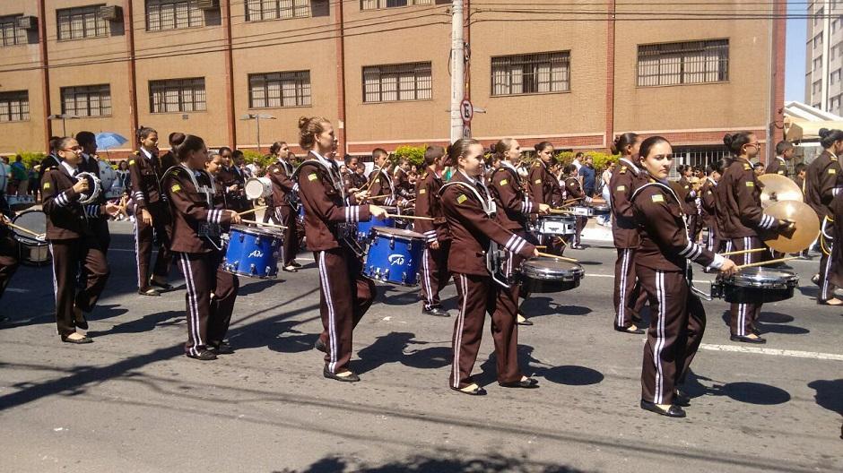 Dia da Independência tem desfile cívico-militar
