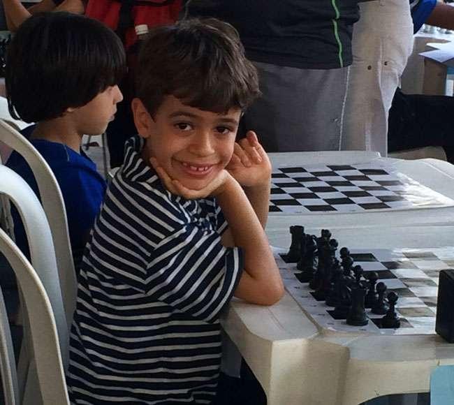 Goiano de 7 anos é campeão brasileiro de xadrez em Minas Gerais