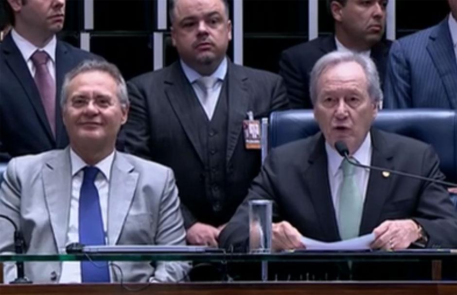 Ao lado de Renan, Lewandowski abre sessão do julgamento final do impeachment