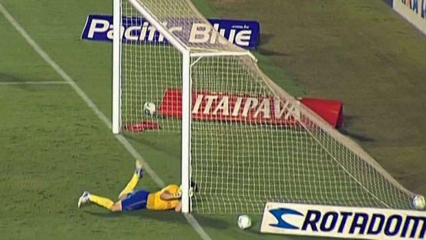 Vila perde no Serra Dourada e é rebaixado para Série C