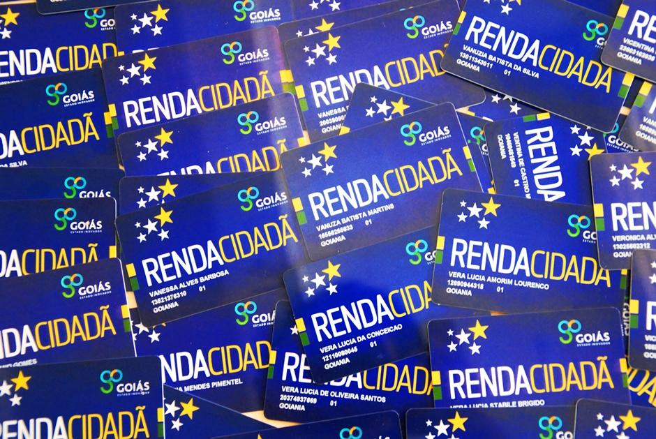 Governo suspende entrega dos cartões do Programa Renda Cidadã
