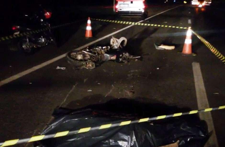 Motociclista morre atropelado por caminhão na BR-060