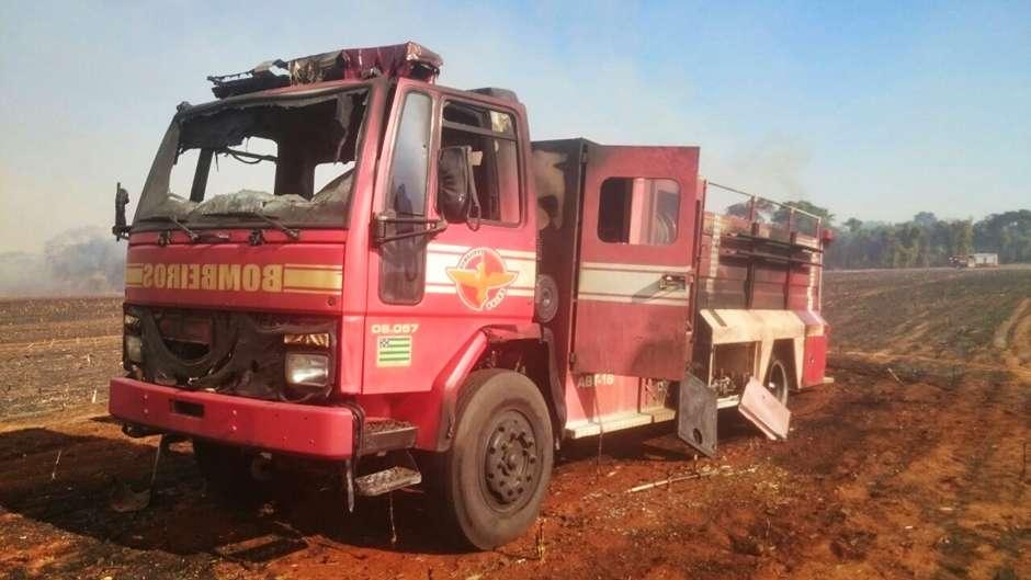 Bombeiro tem 20% do corpo queimado durante combate a incêndio em Turvânia