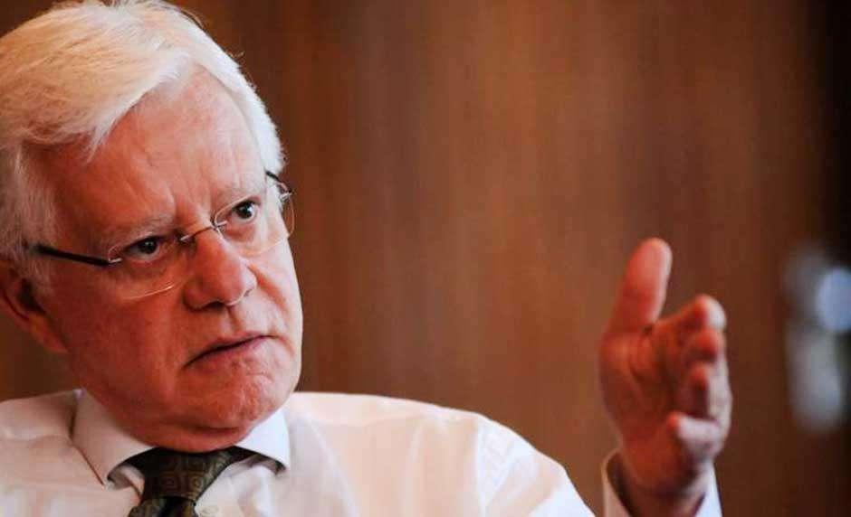 Moreira Franco diz que Dilma faz manipulação e propaganda enganosa