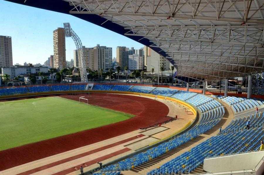 Estádio Olímpico foi pintado com cores de partido, apura MP