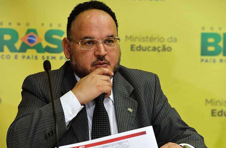 Ideb 2014 coloca em xeque estados e municípios, diz ministro