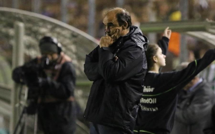 Mesmo após queda, Ricardo Gomes exalta sequência de vitórias e foca Brasileirão
