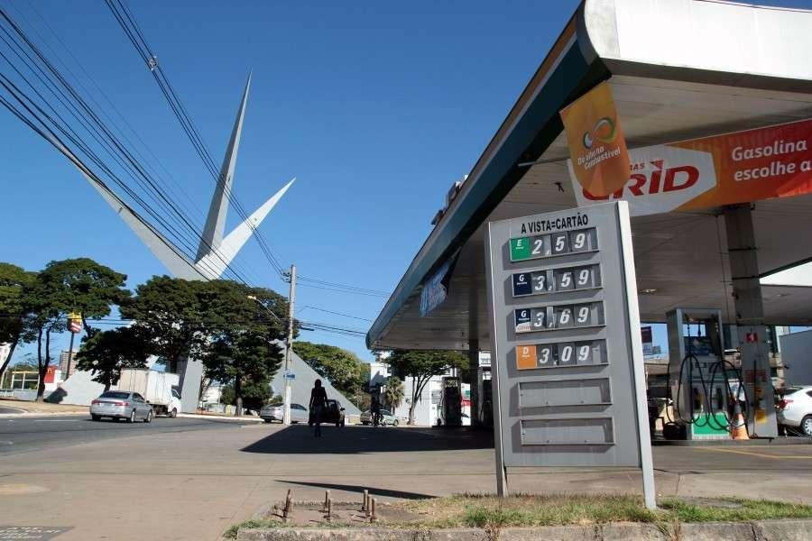 Justiça determina retorno dos preços dos postos de combustíveis de Goiânia