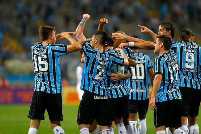 Grêmio vence Sport e dorme no G4 do Brasileirão