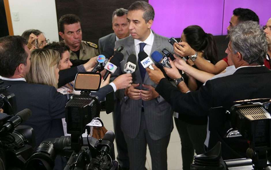 Governo avalia possibilidade de concursos também para Bombeiro, delegado de Polícia e Procon