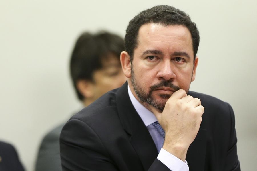 """""""Trava nos gastos públicos em 2017 está garantida"""", diz ministro do Planejamento"""