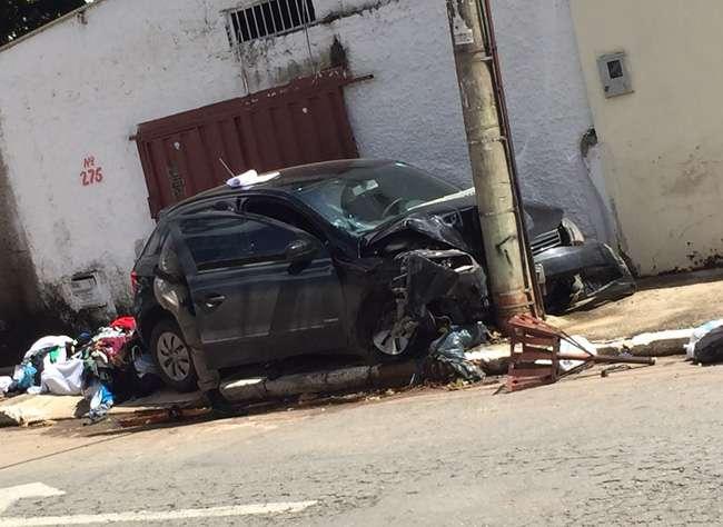 Após assalto, bandidos se envolvem em acidente e são presos pela polícia