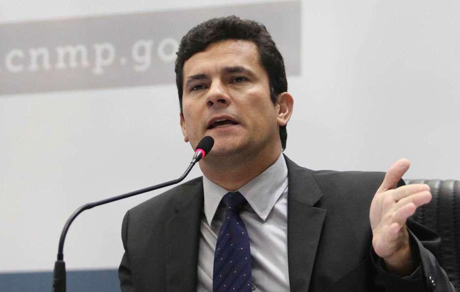 """Moro diz que coerção não é """"antecipação de culpa"""" de Lula e repudia violência"""