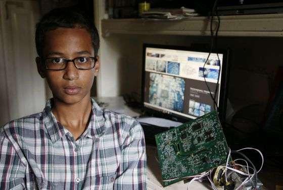 Jovem é detido nos EUA por levar à escola relógio que parecia uma bomba
