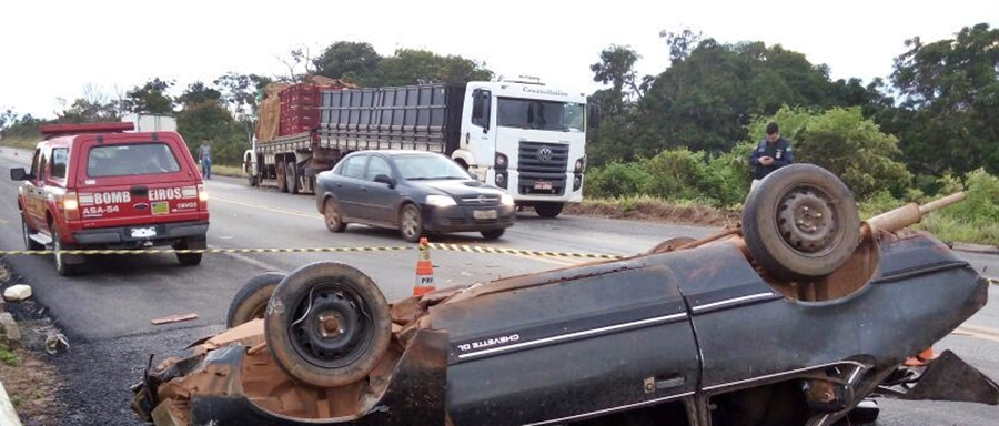 Motorista morre após colidir com caminhão na BR-070, em Cocalzinho