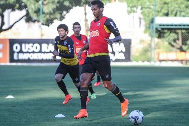 Jô pede desculpas à torcida e garante cabeça no Atlético-MG