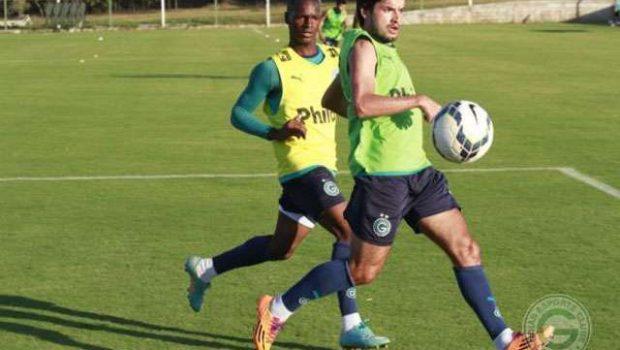 Técnico apresenta novidades em treino coletivo do Goiás