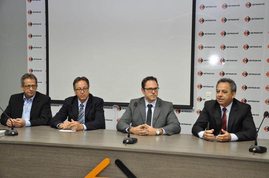 Presidente do Denatran visita Detran-GO e alerta CFCs para mudanças